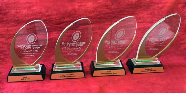 custom glass and aluminium trophies